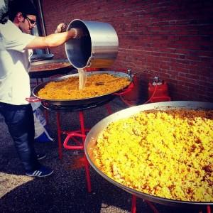 Servicio de catering de paellas gigantes